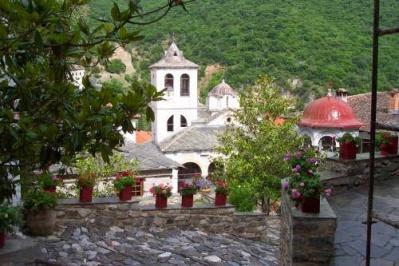 Metamorfoseos Sotiros Nikiton Manastırı