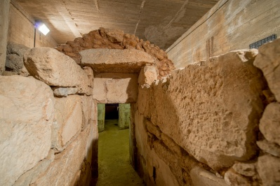 Hellenistic Tomb of Street Troy
